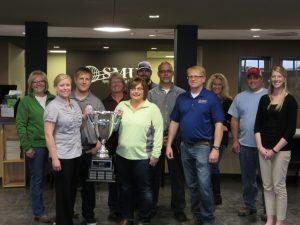 A few SMU Live Healthy Iowa team members accept the award on behalf of SMU.